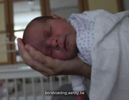 Houding tegen krampjes bij de baby