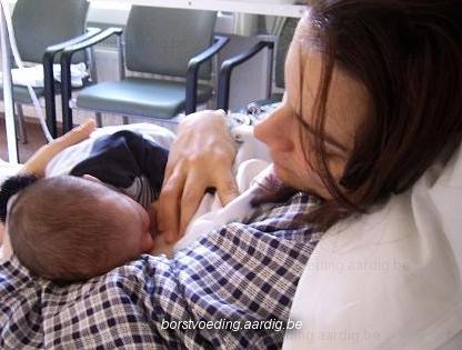 Borstvoeding: fout aanleggen
