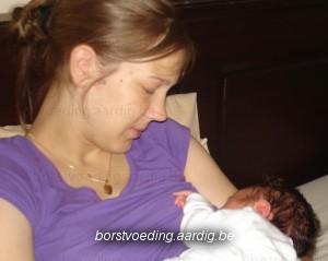 Thuisbevalling: borstvoeding baby